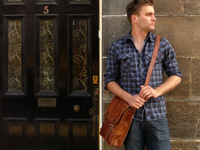 Man Purses And Men S Scraves Are Going Viral With Most Fashionable Men Around The Globe