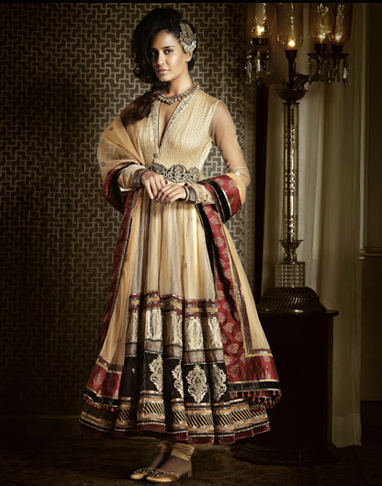 Lisa Haydon in an exclusive outfit designed by Tarun Tahiliani